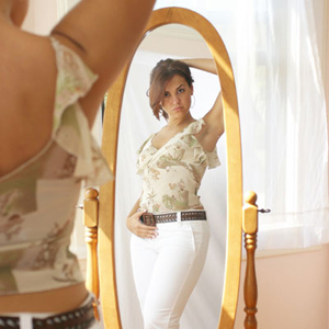 Body Image Improves For Women With Support Network Linda Franklin The Real Cougar Woman