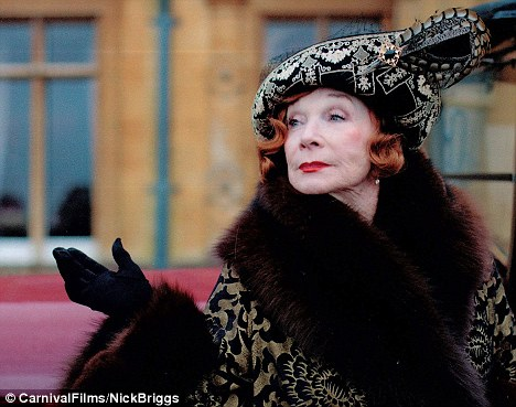 Shirley MacLaine Arrives At Downton Abbey Linda Franklin The Real Cougar Woman